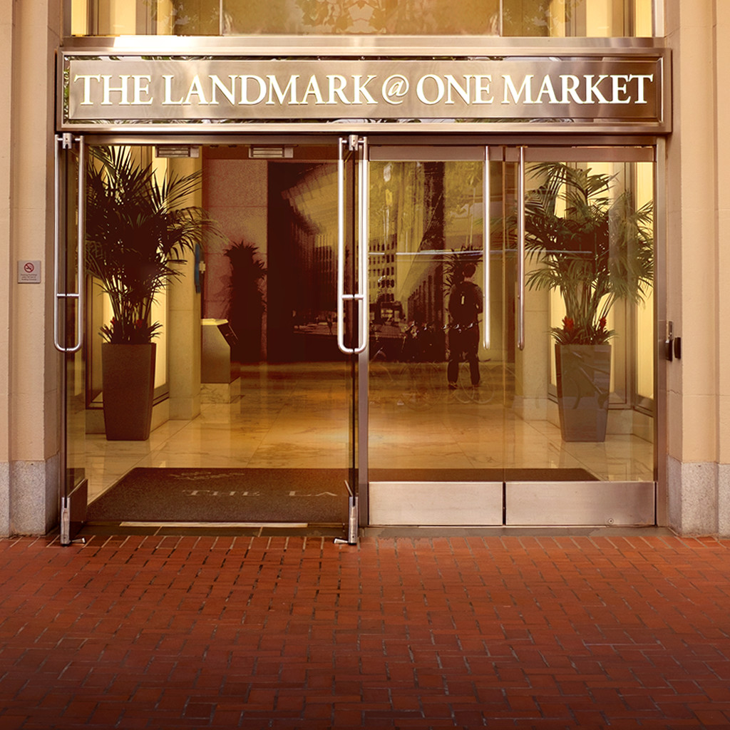 The entrance of the One Market Center building in San Francisco.